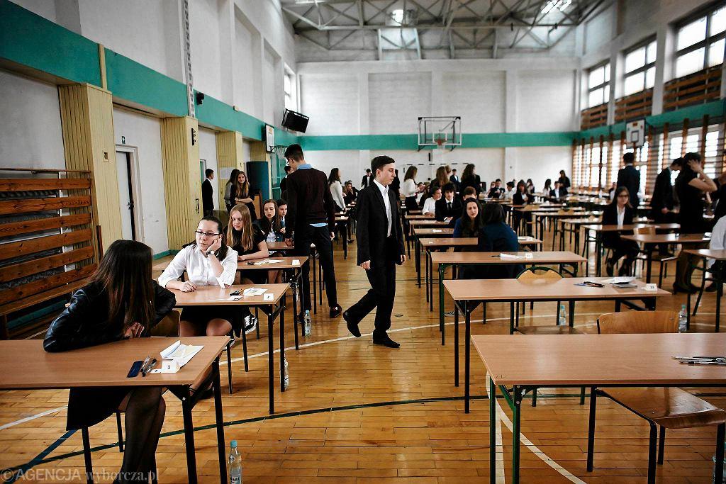 Egzamin w gimnazjum przy ul. Jurczyńskiego