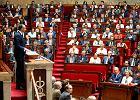 Nowy premier wysyła Francję na detoks i zapowiada cięcia