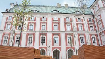Dziedziniec Urzędu Miasta - przy placu Kolegiackim w Poznaniu