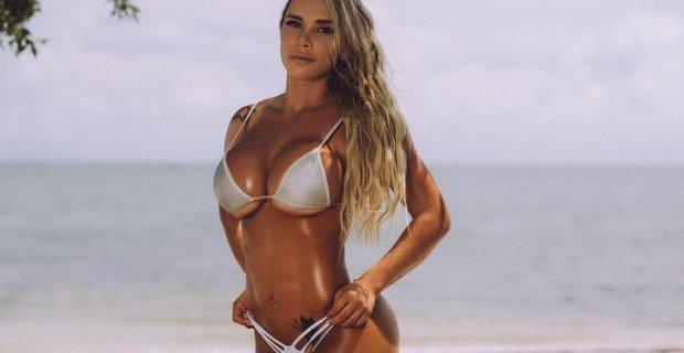 Czy takie mięśnie mogą być naturalne? Modelka fitness, Rafaela Ravena przekonuje, że tak