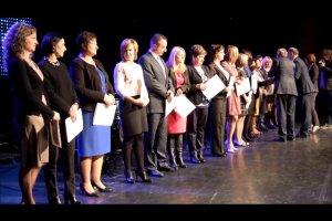 Ponad stu cz�stochowskich nauczycieli odebra�o nagrody od prezydenta
