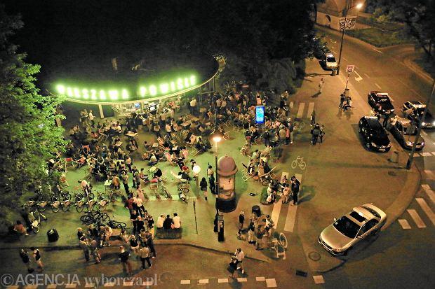Zycie nocne na Powislu w Warszawie