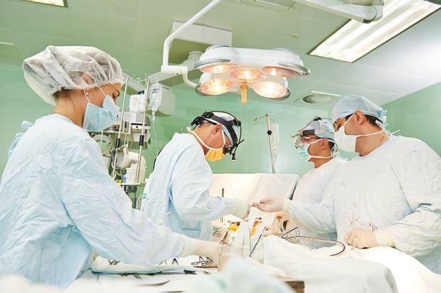 Przeszczep organ�w po chi�sku