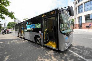 http://bi.gazeta.pl/im/43/7b/d6/z14056259M,Pierwszy-chinski-autobus-elektryczny-na-testach-w-.jpg