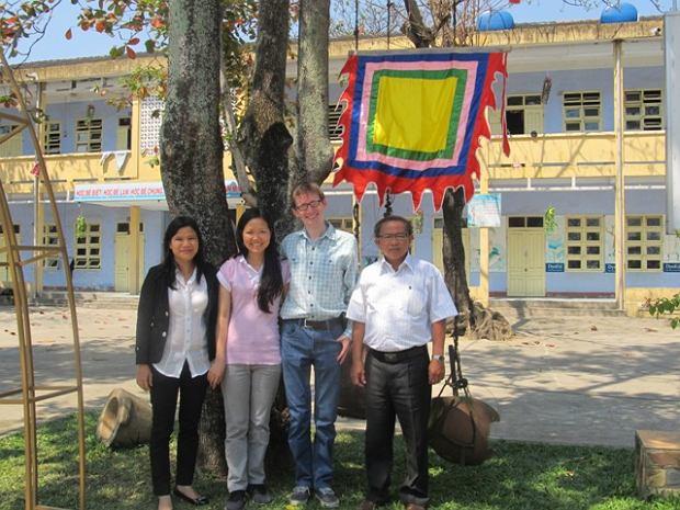 Neil Fraser w Wietnamie (źródło fot. http://bevandan.vnn.vn)