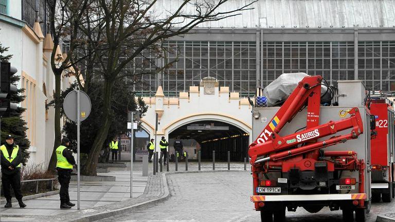 Ewakuacja na dworcu Wrocław Główny po telefonie o podłożonej bombie