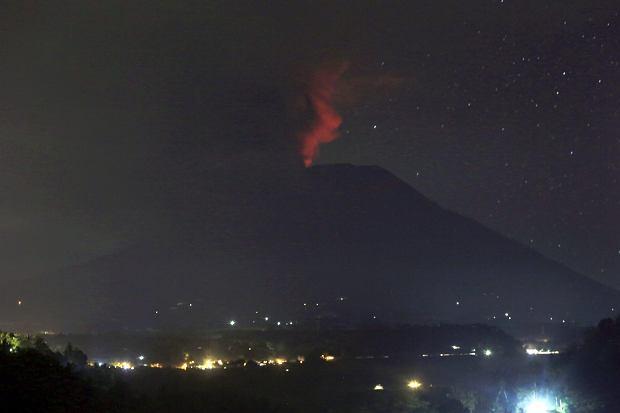 Erupcja wulkanu Agung na Bali. Czerwony alarm dla linii lotniczych