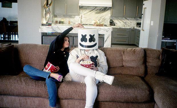 Selena Gomez przeszła ostatnio całkiem sporo. Od nawrotu choroby, przez przeszczep nerki i rozstanie z kanadyjskim wokalistą, The Weeknd. Jej rodzina była przy niej cały czas. Wspierali Selenę jak tylko potrafili. Teraz trudno jest im pogodzić się z faktem, że Justin Bieber nadal odgrywa ważną rolę w życiu Seleny.