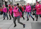 """""""Nazywam si� Miliard"""". Polki ta�cz� w prote�cie przeciw molestowaniu kobiet i dziewcz�t"""