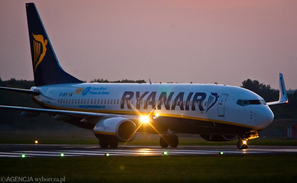 Samolot linii Ryanair (zdj. ilustracyjne)
