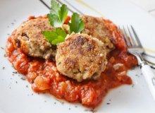 Kotlety gryczane z sosem pomidorowym - ugotuj