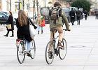 Na rowerzyst�w sypi� si� mandaty. Czy pozwala� na jazd� po chodniku?