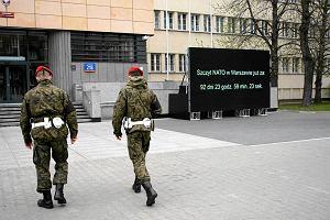 Resort Macierewicza postawi� ekran bez zgody ratusza