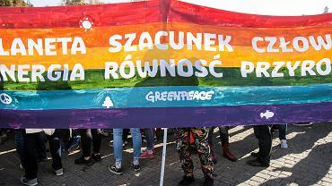 II Liceum Ogólnokształcące w Tarnowskich Górach zrezygnowało z udziału w 'Tęczowym Piątku'