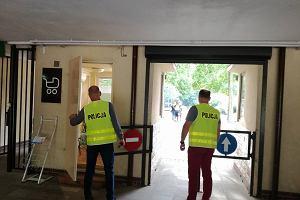 Policja zatrzymała pracowników poznańskiego zoo. Przywłaszczali pieniądze z biletów