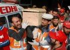 Pakistan: w�adze powiesz� 500 terroryst�w. To konsekwencja ataku talib�w na szko��