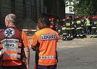 Robotnik uwięziony w 5-metrowym wykopie na UW wyciągnięty