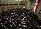 PiS dobił służbę cywilną [31.12.2015]