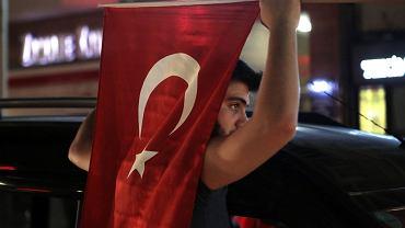Po nieudanym puczu w Turcji trwają aresztowania
