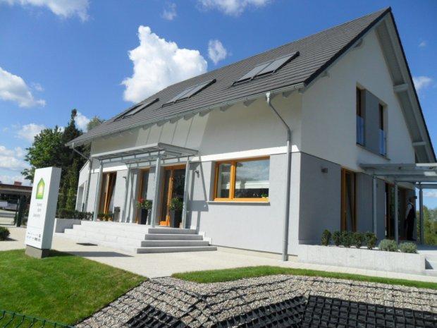 Ile budujemy dom�w energooszcz�dnych?