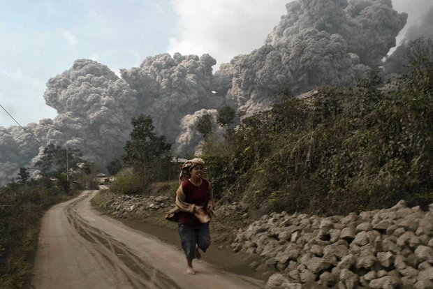 Sumatra. W pi�tek wr�cili do domu, w sobot� zabi� ich wulkan