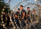 300 imigrantów uciekło z obozu przy granicy z Serbią. Kolejni grożą buntem