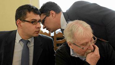 Bracia Karnowscy (Jacek, z lewej i Michał, z prawej) z tygodnika w 'W sieci'  (obecnie 'Sieci') podczas posiedzenia parlamentarnego zespołu ds. obrony wolności słowa. Warszawa, Sejm, 6 marca 2013