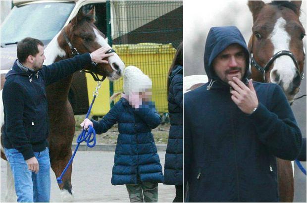 Zdjęcie numer 0 w galerii - Marcin Dubieniecki z córkami w stadninie koni. Najpierw spacer, a potem... Mało kto spędza tak czas