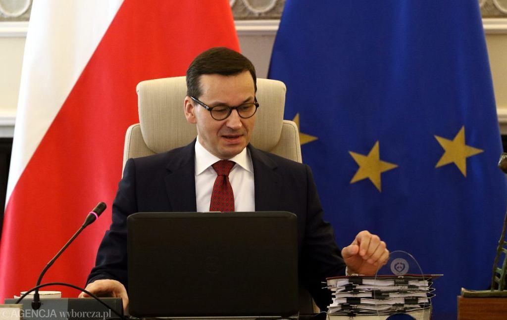 Premier Mateusz Morawiecki podczas posiedzenia rządu.
