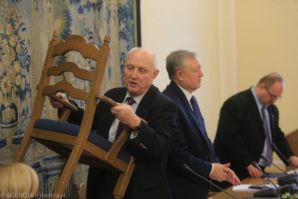 10.12.2015 Wojciech Jasiński na posiedzeniu sejmowej Komisji Finansów Publicznych. Kilka dni później został prezesem PKN Orlen