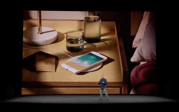 Bezprzewodowe ładowanie iPhone'a 8
