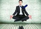 Jak by� tu i teraz, czyli medytacyjny trening uwa�no�ci
