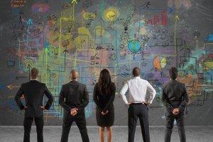 Jak zmieni� prac� w karier�? - dyrektorki radz� nowicjuszkom