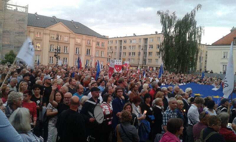 Protest przed Sądem Najwyższym w Warszawie, 3 lipca 2018