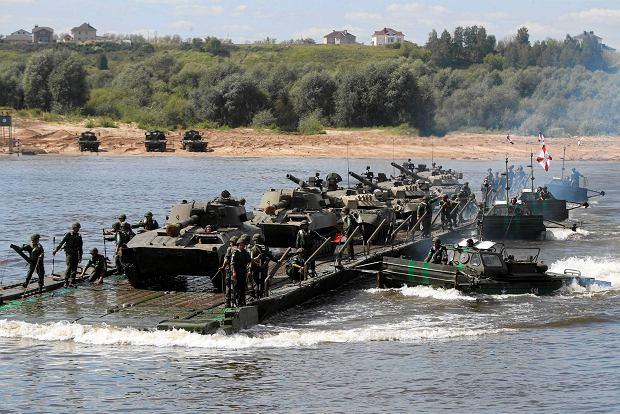 Trwa napi�cie wok� Krymu. �wiczenia rosyjskiej floty i wojsk l�dowych