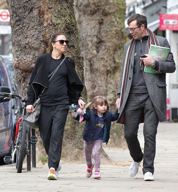 Zdjęcie numer 5 w galerii - Mel C ze Spice Girls na spacerze z córką. Skóra zdjęta! Nie wierzycie? Scarlett wygląda zupełnie jak mama