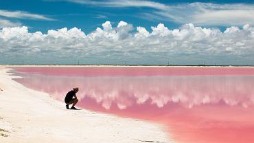 R�owa laguna istnieje naprawd�! To jedyne takie miejsce na �wiecie. Sk�d si� wzi�� ten niesamowity kolor?