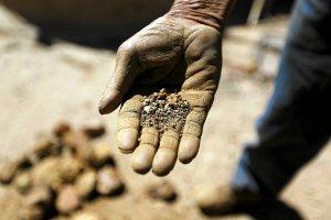 Gwałtowny wzrost cen złota. Już blisko 5 tys. zł za uncję