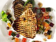 Stek z marlina z warzywami winegret