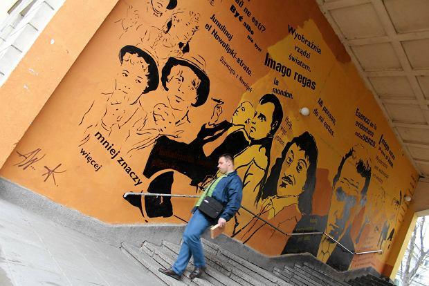 Robotnicy zatynkowali mural na muranowie 39 ogromna strata 39 for Mural ursynow