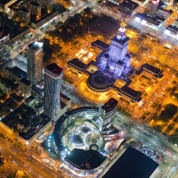 Wiedzieli�my, �e Warszawa jest pi�kna, ale nie a� tak. Zdj�cia nocne osza�amiaj�