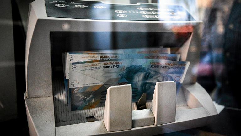 UOKiK chce się dogadać z bankami w sprawie kredytów we frankach