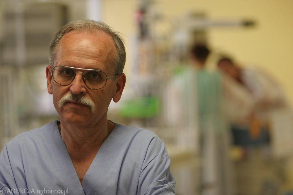 Prof. Janusz Skalski, ordynator oddziału kardiochirurgii szpitala dziecięcego w Prokocimiu, gdzie trafiło dziecko.