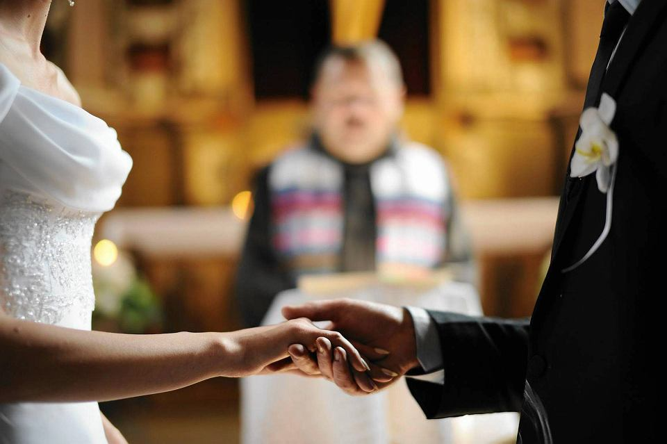Jedyną nadzieją dla kogoś, kto chce rozstać się z małżonkiem, jest przekonanie sądu biskupiego, że małżeństwo... nie zostało zawarte