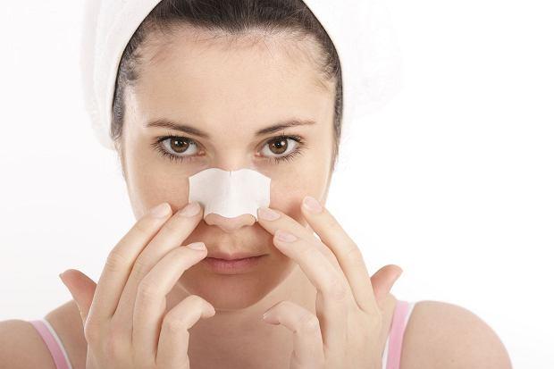 W�gry na nosie to utrapienie wielu z nas. Jak si� ich skutecznie pozby�? Plastry na w�gry s� odpowiednim rozwi�zaniem? Podpowiadamy