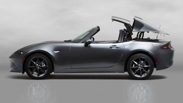 Salon Nowy Jork 2016 | Mazda MX-5 RF | Czas na sztywny dach