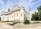 Czechy: Litomy�l. Czeskie miasteczko za�o�one na szlaku ��cz�cym Czechy i Morawy, liczy tylko 10 tys. mieszka�c�w. Cho� Litomy�l jest niewielki, warto si� do niego wybra�, �eby zobaczy� m.in. renesansowy zamek, zabytek UNESCO. Odleg�o��: 90 km od K�odzka.