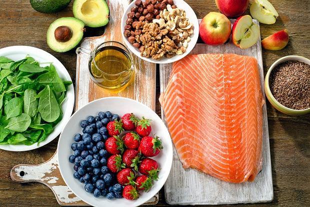 Przy problemach z hashimoto warto postawić na odpowiednią dietę.