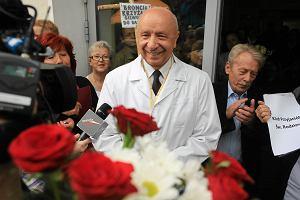 Sprawa prof. Chazana: manifestacje pod szpitalem i Sejmem