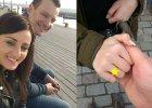 """Grzesiek z """"Rolnik szuka żony"""" pokazał pierścionek zaręczynowy, który dał Ani. Ładny?"""